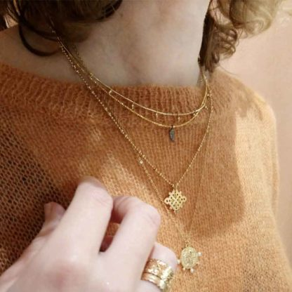 look collier médaille antique virginie berman driss