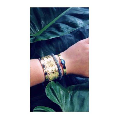 présentation bracelet rigide doré labradorite eva krystal dolita