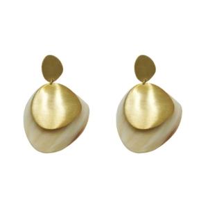 boucles d'oreilles en laiton et corne recyclé de la marque Soko éco responsable