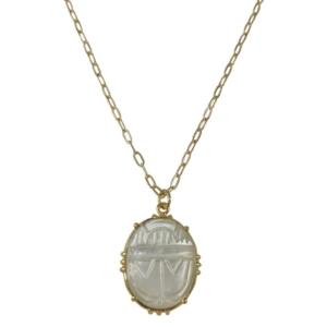 collier chaîne pendentif scarabée en nacre de la marque de bijoux française AufildeLO chez Dolita