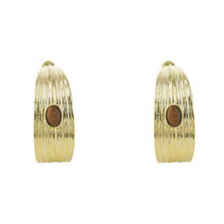 boucles d'oreilles créoles avec oeil de tigre de la créatrice Eva Krystal chez Dolita bijoux