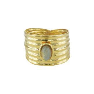bague dorée large avec pierre centrale en labradorite chez Dolita bijoux idée de cadeau bijoux femme