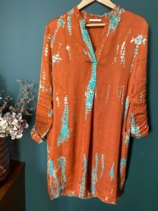 robe tye and dye orange Bella Jones